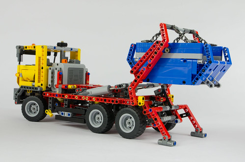 LEGO Technic 42024 Container Truck | by Oxycrest
