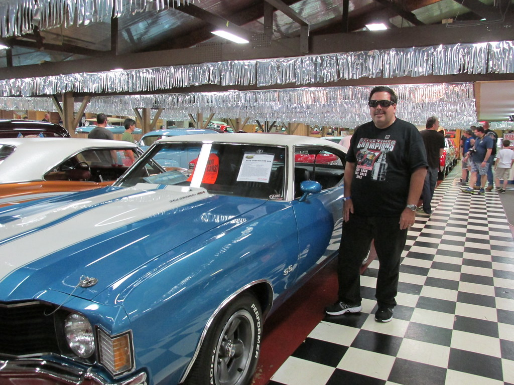Eddie K Posing By A Classic American Muscle Car The Volo Flickr