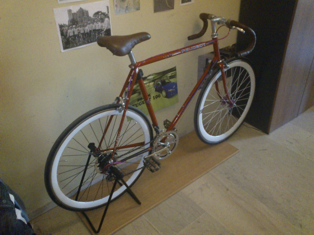 Peugeot vintage bicycles (facebook page)- peugeot carbolit