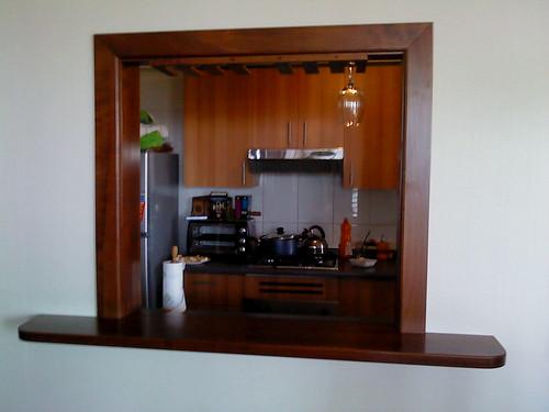 Bar empotrado cocina comedor fabricado en madera rauli for Muebles de madera bar