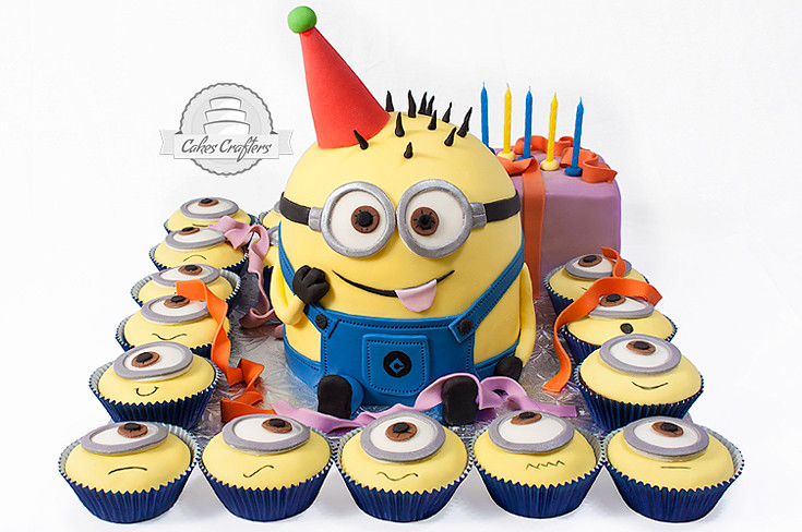 minion cakes and cupcakes