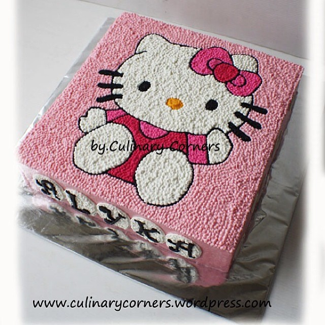 Hello Kitty in a simple buttercream decoration cake Flickr