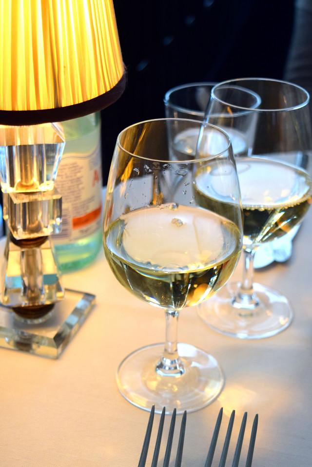 Chardonnay at Cafe Monico, Soho | www.rachelphipps.com @rachelphipps