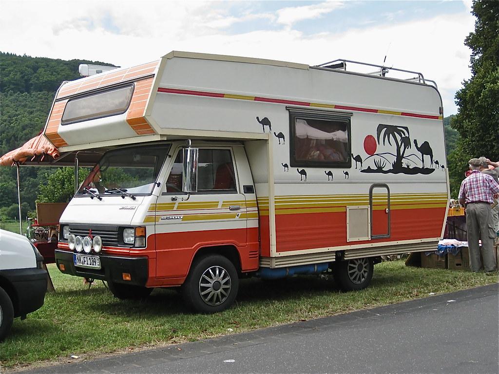 80s MITSUBISHI L300 Campervan