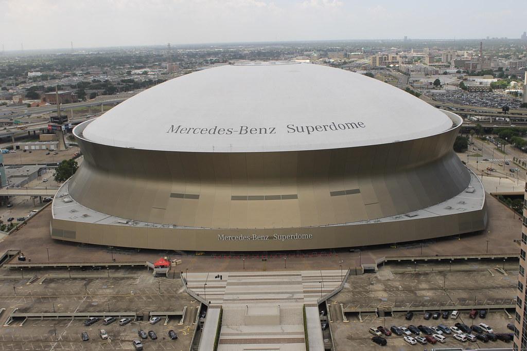 ... Mercedes Benz Superdome (New Orleans, LA)   By Cseeman