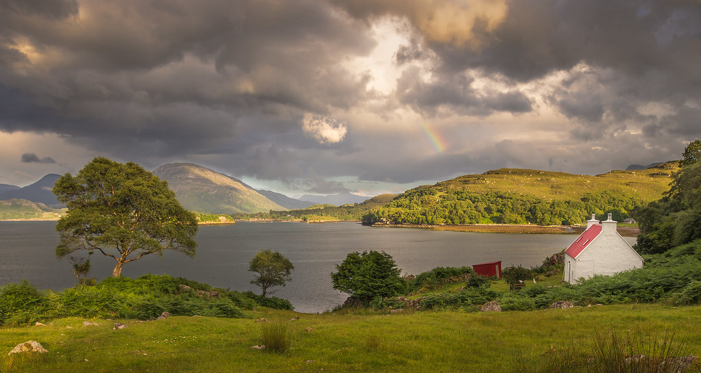 Resultado de imagen de Chris Combe  Sheildag Cottage and Rainbow