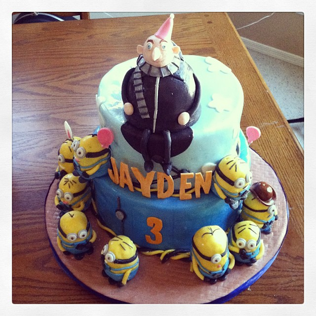 Belindacakes Deable Me Theme Birthday Cake Complete With Edible Gru And Minions