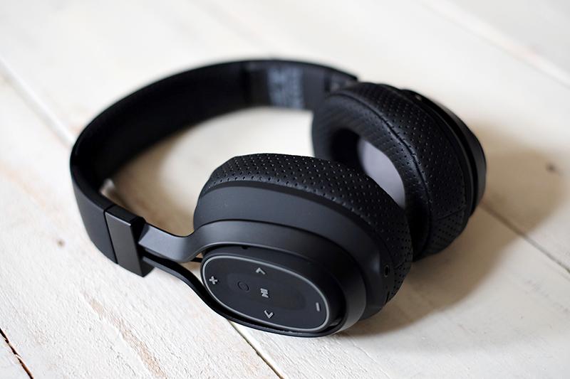 BlueAnt Pump Zone Wireless Headphones