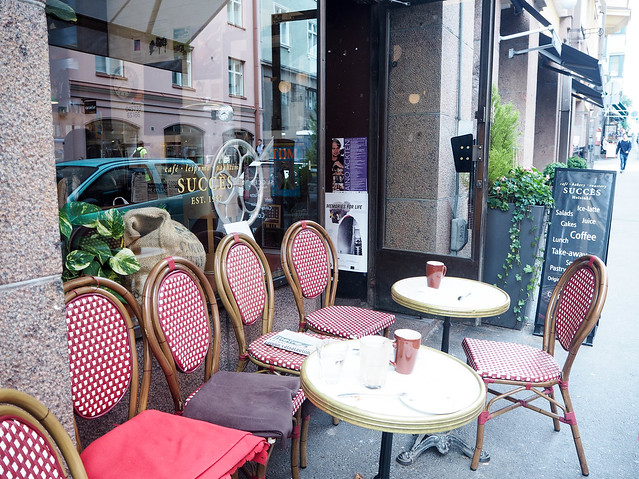 cafe succes, kahvila, cafeteria, helsinki, suomi, finland, korkeavuorenkatu, visit finland, visit helsinki, inspiration, hyvä kahvila, good cafe, parisian vibes, cafes, helsinki tips, kahvilat, paras, best, terassi, terrace, syksy, autumn, perinteinen, elegantti, kaunis, leivonnaiset, pastry, pastries, paris moment in the middle of helsinki, suositus,recommendation