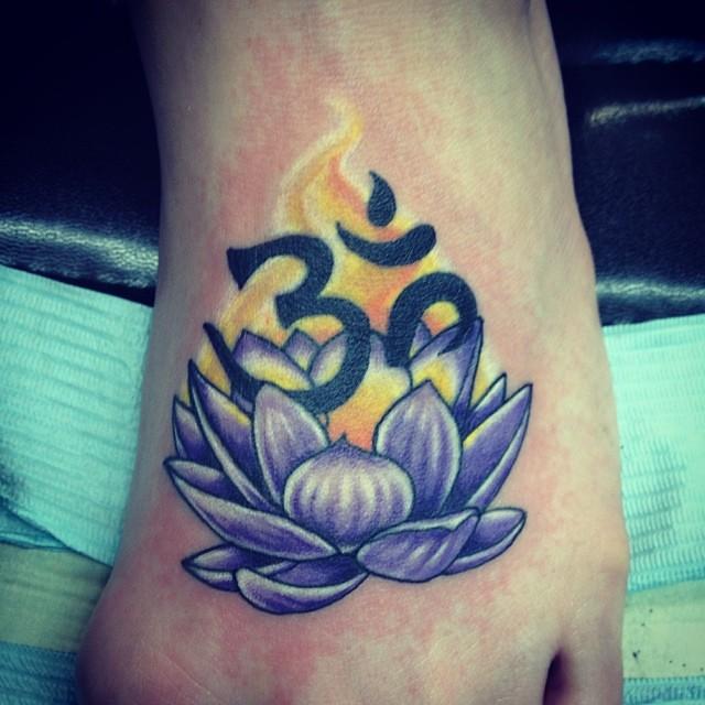 Om lotus tattoo flowertattoo bridget punsalang flickr om lotus tattoo flowertattoo by bridget punsalang henna and tattoo mightylinksfo