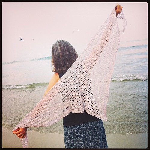 Mea Shawl in Alpaca by Woollisa :) | by emmafassio