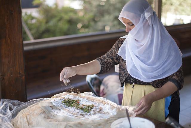 Druze woman preparing a Pita_ 2 _Itamar Grinberg_IMOT