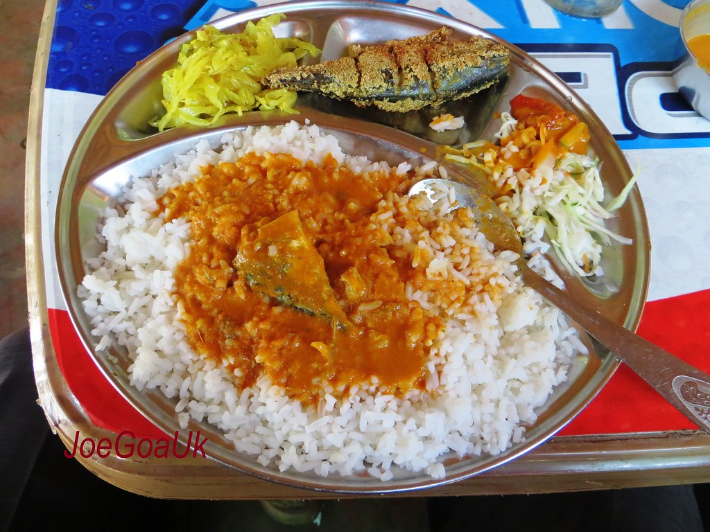 Fish Curry Rice Thali Rs 80 With Mackerel Bangddo Curry Flickr