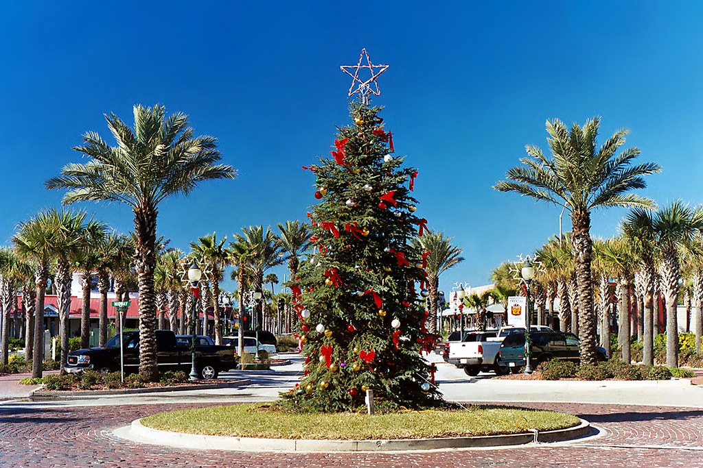 Christmas Tree, Neptune Beach, Florida | A Florida style Chr… | Flickr