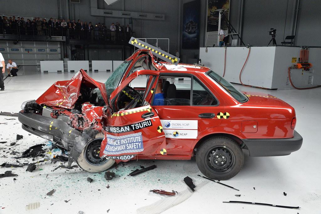 Car To Car Crash Test Nissan Tsuru Nissan Tsuru Global Ncap