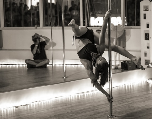 Pole dance - 2014 (http://www.poledanceantibes.com) | by liquidphotos@ymail.com