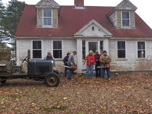 Bonney House Cleanup, 10 November 2007 | by Hanson Historical Society