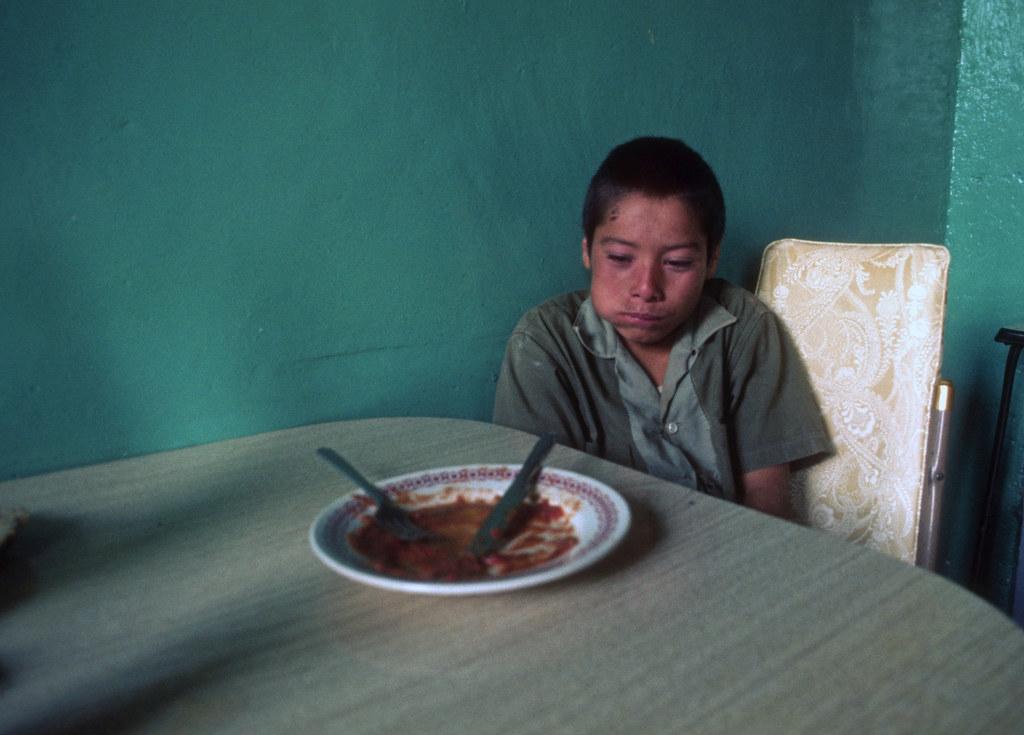 Nino con hambre, Mexico, 1976 | by Marcelo  Montecino