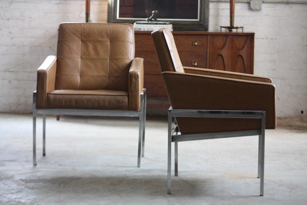 ( Savage Mid Century Modern Leather U0026 Chrome Lounge Arm Chairs For Alma  Desk Co. (