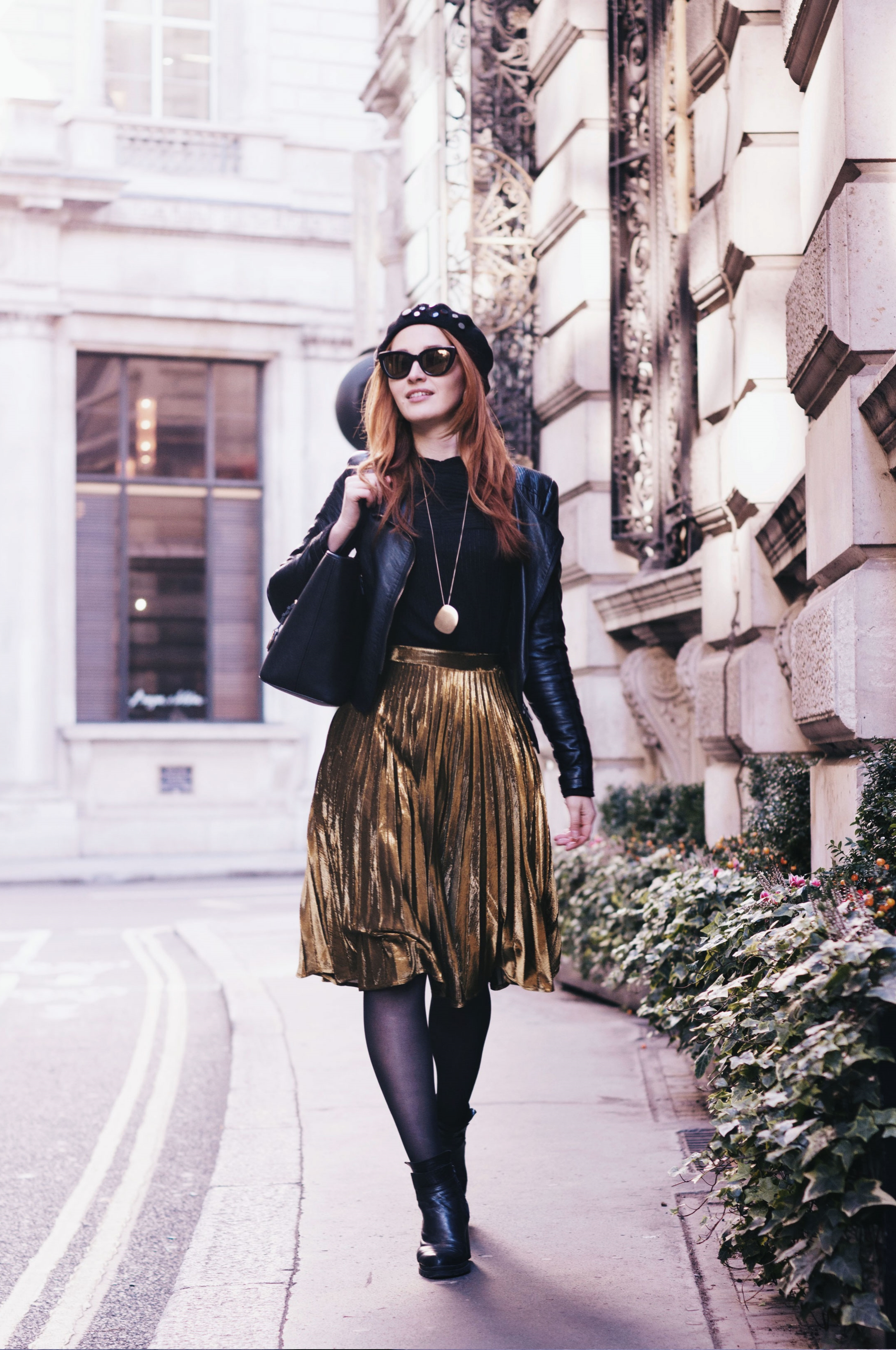 www.fashionartista.com - why everyone is obsessed with the pleated skirt trend