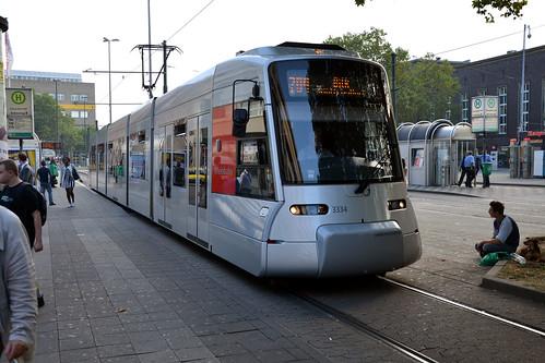rheinbahn 3334 dusseldorf tram 18 08 13 dusseldorf hbf flickr. Black Bedroom Furniture Sets. Home Design Ideas