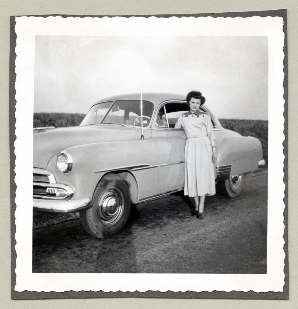 1951 Chevrolet Styleline Deluxe A Brunette Lady Posing Wit Flickr By Vintage Cars People