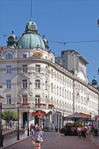 L 39 art nouveau ljubljana au n 1 rue miklo i ljubljana for Architecte 3d wikipedia
