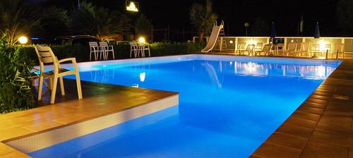 Piscina hotel roma senigallia piscina notte www - Hotel piscina roma ...