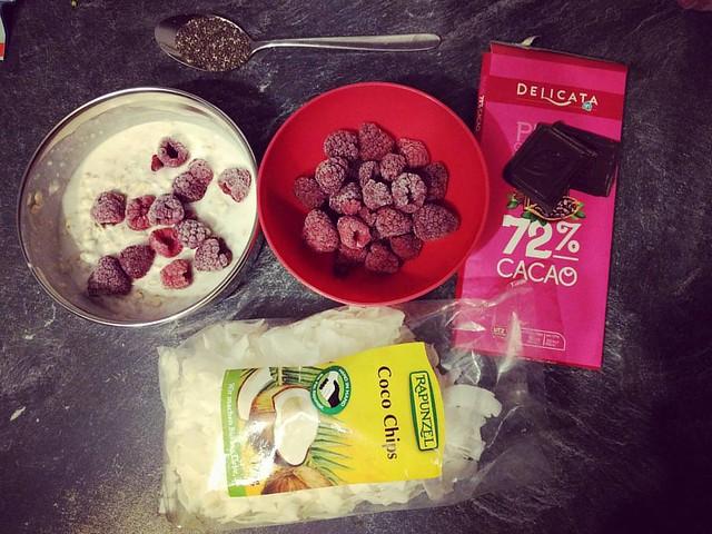 Ontbijtje klaarmaken voor morgen! 🍫 #overnightoats #havermout #kokosmelk #chocolade #ontbijt #breakfast #mealprep #gezond #gezondleven #gezondeten #foodstagram #foodporn #instafood #puureten #lactosevrij #lactosefree #lactosevrijontbijt #puu