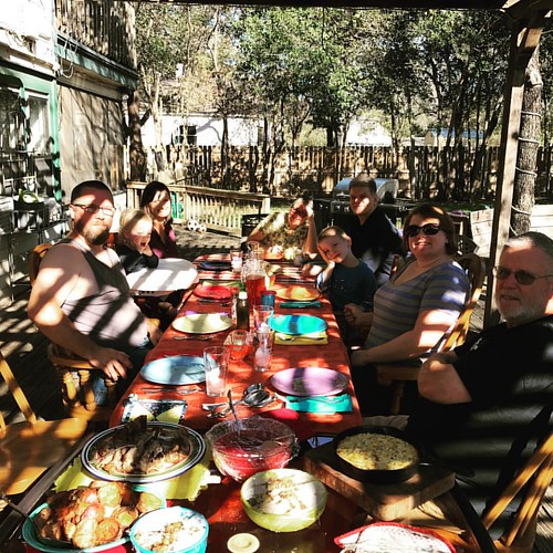 Thanksgiving al fresco. Gotta ❤️ Texas. #toomanyshadows #texaslife