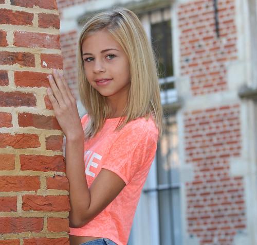 Zoë - age 13 | Zoë lives in Belgium. She goes skul, of