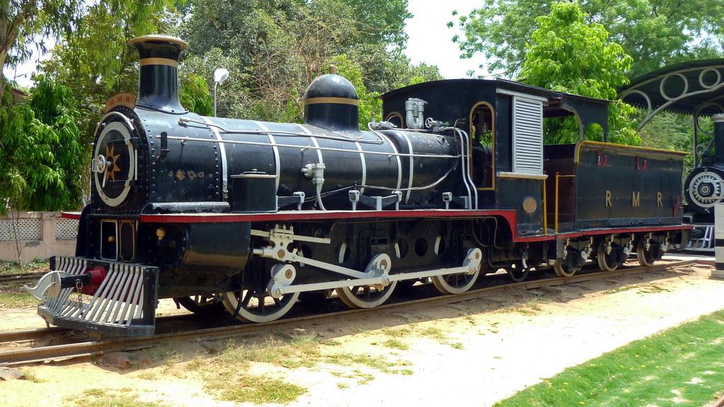 Locomotive F-734