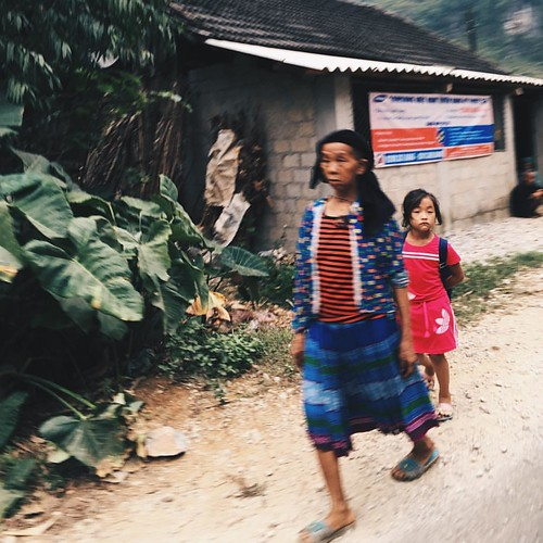 H'Mong people at Quan Ba, Ha Giang,  . #thebroadlife #travel #quanba #hagiang #vietnam #ethnicminorities #hmong #people #instatravel #instadaily #instapassport #instagood #instago #travelgram #lovetotravel #traveldiary #openmyworld #roamtheplanet #neverst