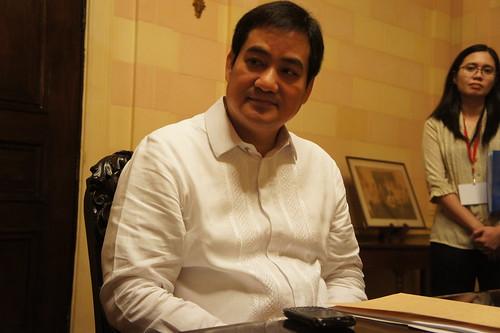 菲律賓總統府發言人陳顯達回應星島日報查詢,指絕無提及放下事件。(資料圖片 / 勞顯亮攝)