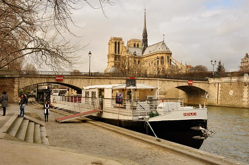 how to get from cdg to notre dame