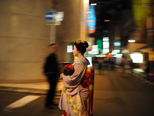 Panning, Kyoto night, nokton17.5mm