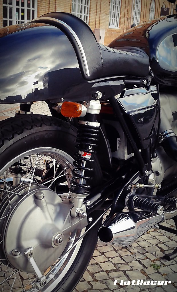 ... FlatRacer BMW R100 RT 1979 The Blaxer Cafe Racer - centre detail | by FlatRacer