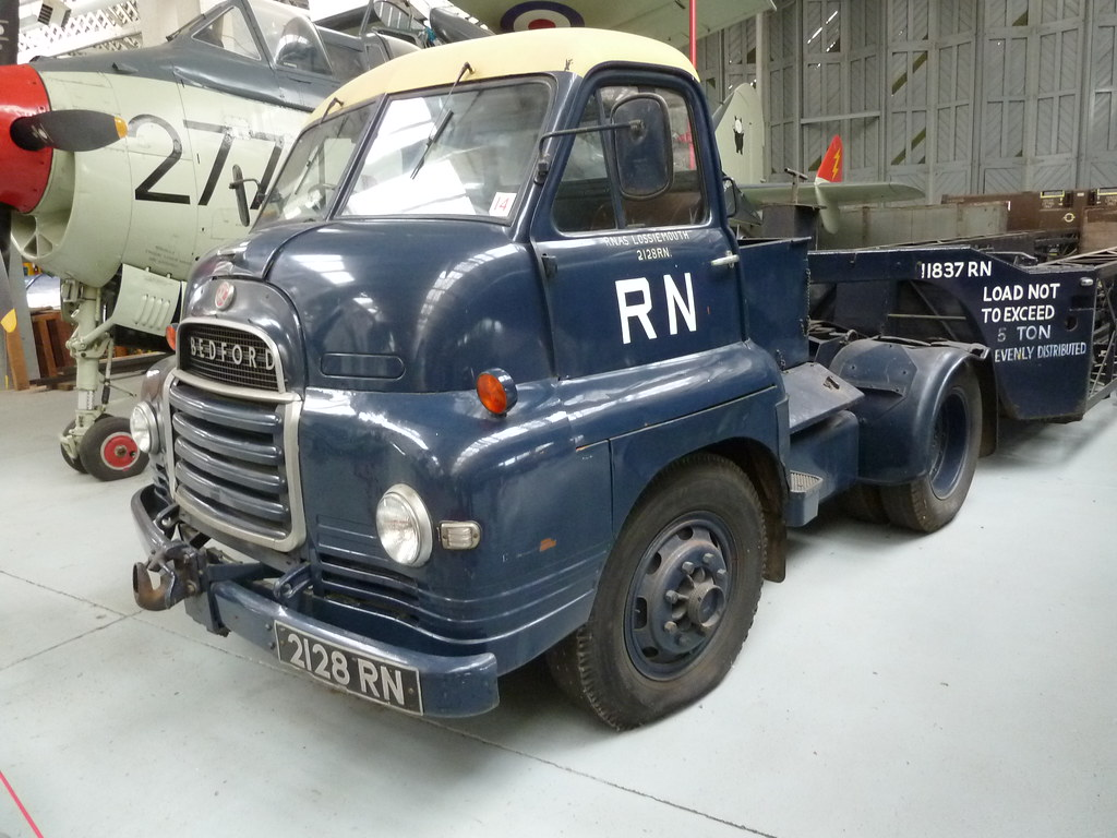 "... 2128 RN - Bedford S type 4 x 2 Tractor unit & ""Queen Mary"""