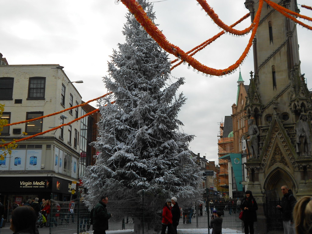 Leicester City Center Christmas tree | Beverley williams | Flickr