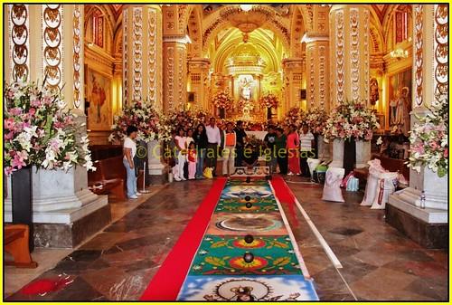 Floristas de la alfombra del templo de santa mar a xixitla for Alfombras persas en mexico