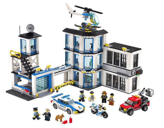 LEGO City 60141 - Police Station