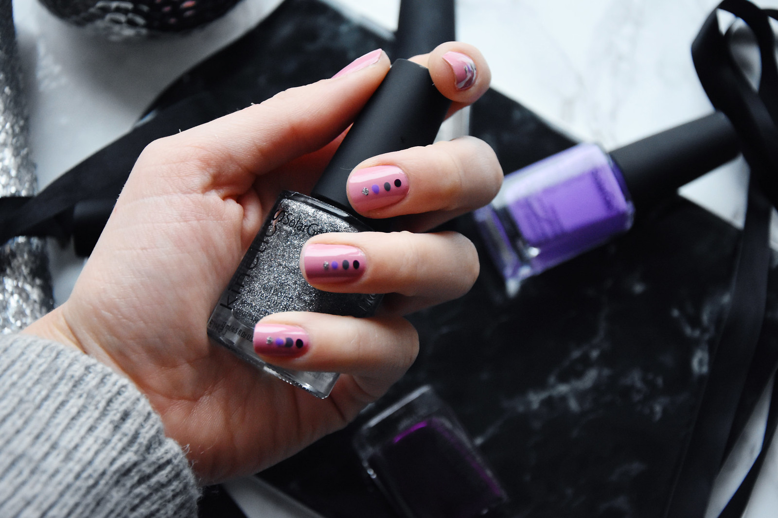 Winter nail polish manicure inspiration