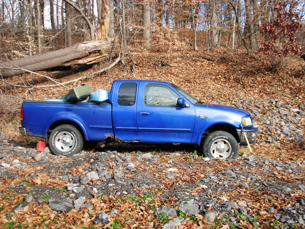 A rusty 1998 ford f 150 in nov 2016 by richie 59