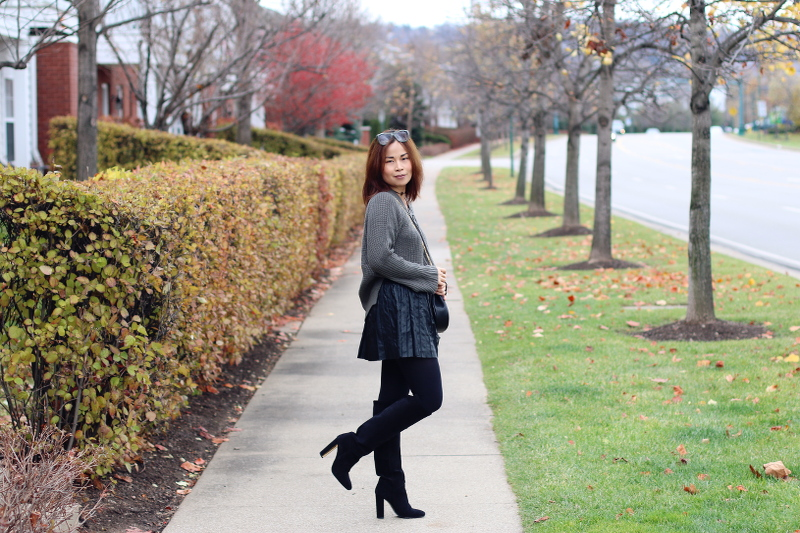 sweater-skirt-suede-boots