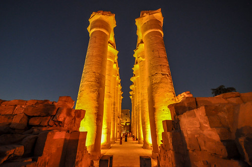 The 14 columns of the The Colonnade of Amenhotep III -  Luxor Temple | by Jorge Lascar