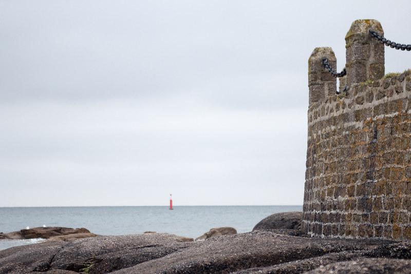 Barfleur wall