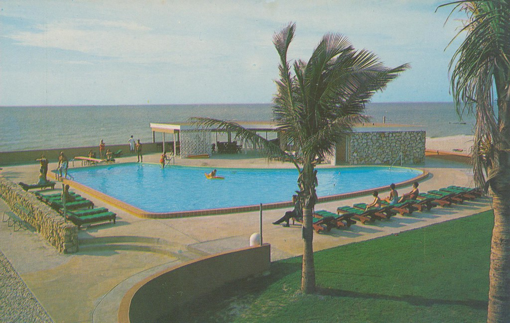 Beach Club Hotel - Naples-on-the-Gulf, Florida