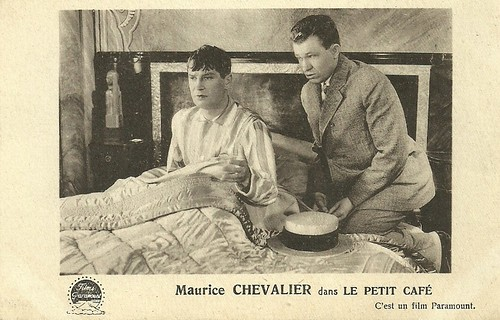 Maurice Chevalier in Le petit café