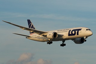 LOT Polish Airlines Boeing 787-8 SP-LRE | by BriYYZ