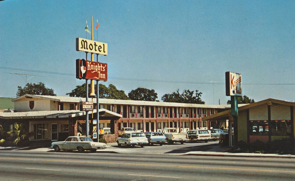 Knights' Inn Motel - Woodland, California